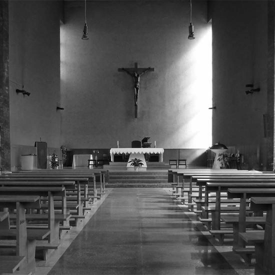 Vista_Interno_Chiesa_Sacra_Famiglia_Siracusa